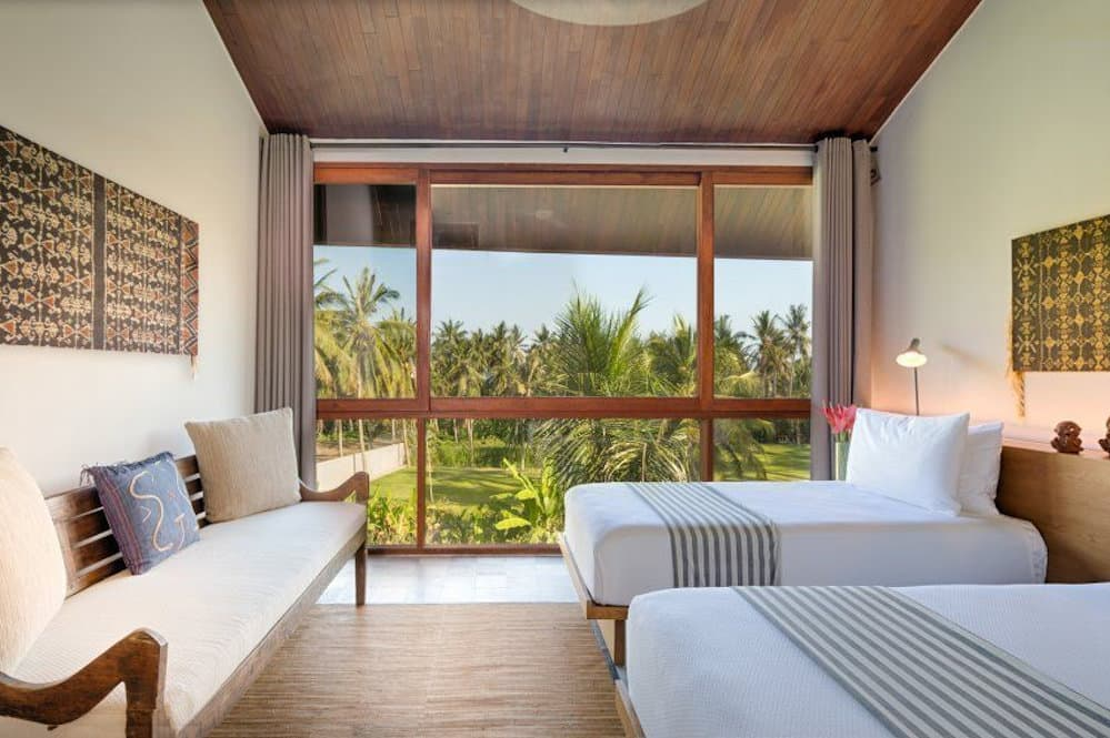 Luxury Villa Panggung Bali Twin Bed Guest Room